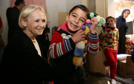 """Základní devítiletá škola v Kostelci nad Orlicí se připojila k humanitární sbírce oblečení pro syrské děti. Ze země postižené válkou totiž celé rodiny utíkají do sousedních zemí a jsou tam<a class=""""moretag"""" href=""""http://www.orlickytydenik.cz/do-ammanu-odletelo-300-kilogramu-pomoci-z-kostelecke-zakladni-skoly/"""">...celý článek</a>"""