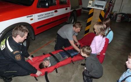 """Hasičské jednotky zajišťují hasičské a záchranné práce při požárech, mimořádných událostech, dopravních nehodách a živelních pohromách. Práce hasičů zahrnuje i záchranu a vyprošťování osob, zvířat či majetku. DOBRUŠKA – Hasiči<a class=""""moretag"""" href=""""http://www.orlickytydenik.cz/hasici-z-dobrusky-meli-radu-vaznych-zasahu/"""">...celý článek</a>"""