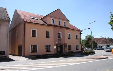 """Už nějaký čas se v Častolovicích řeší podoba rekonstrukce ulice Masarykovy. Rozdílné názory by pomohla sjednotit výstavba vytouženého obchvatu. ČASTOLOVICE – Někteří obyvatelé městyse v Častolovicích žijí sporem o podobu<a class=""""moretag"""" href=""""http://www.orlickytydenik.cz/rekonstrukce-se-vsem-nelibi/"""">...celý článek</a>"""