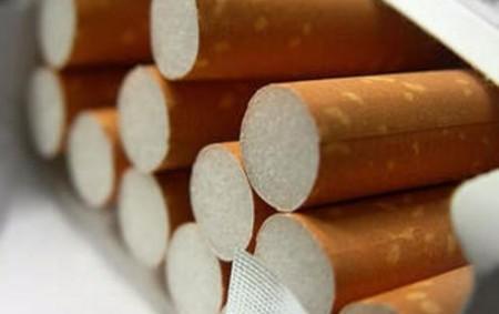 """NÁCHODSKO – Jedna nezaplacená krabička cigaret vhodnotě 86 korun bude mít pro 18letého mladíka důsledky, které nečekal. Mládence ajeho 16letého kamaráda vpondělí 26. listopadu přistihl pracovník ostrahy prodejny vNovém Městě<a class=""""moretag"""" href=""""http://www.orlickytydenik.cz/za-krabicku-cigaret-mladikovi-hrozi-vezeni/"""">...celý článek</a>"""
