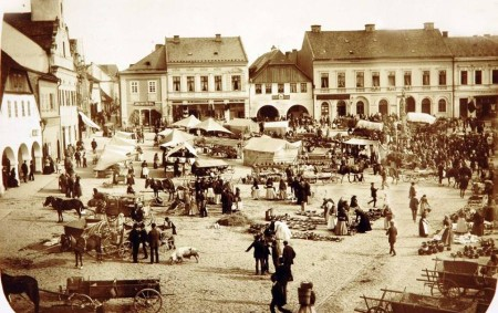"""RYCHNOV N. K. – Návštěvníci Muzea a galerie Orlických hor mají možnost vrátit se zpět v čase. V jeho prostorách v budově bývalých kasáren je veřejnosti přístupná stálá expozice s<a class=""""moretag"""" href=""""http://www.orlickytydenik.cz/v-muzeu-oziva-historie-rychnova/"""">...celý článek</a>"""