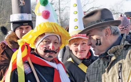SEMECHNICE – Masopust v Semechnicích se koná 3. února. Obcí bude od dopoledních hodin procházet tradiční průvod maškar doprovázený dechovou hudbou.