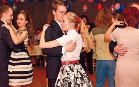 """TUTLEKY – Obec Tutleky pořádá v pátek 9. února v místním kulturním domě Olympijský ples. Začátek plesu je ve 20 hodin, hraje skupina Combi, připraveno je i předtančení a bohatá<a class=""""moretag"""" href=""""http://www.orlickytydenik.cz/olympijsky-ples/"""">...celý článek</a>"""