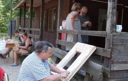 """DOBRUŠKA – Na táborové základně v Mělčanech u Dobrušky se první srpnový víkend koná už počtvrté prázdninový řezbářský kurz, který zorganizoval dobrušský dům dětí a mládeže pod vedením řezbáře Jana<a class=""""moretag"""" href=""""http://www.orlickytydenik.cz/v-melcanech-se-sejdou-rezbari/"""">...celý článek</a>"""