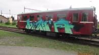 """RYCHNOVSKO – """"Ozdoby"""" vytvořené sprejemobjevil na motorovém vlaku poslední únorovou neděli ráno jeden ze zaměstnanců. """"Soupravu, stojící na vlakovém nádraží vDoudlebách nad Orlicí posprejoval doposud neznámý vandal v noci ze<a class=""""moretag"""" href=""""http://www.orlickytydenik.cz/neznamy-vandal-v-noci-posprejoval-vlak/"""">...celý článek</a>"""