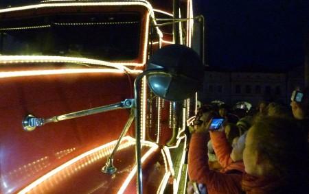 """Na novoměstské náměstí zavítal 13. prosince známý vánoční kamion se Santou. REGION – Jelikož se jednalo o jednu ze dvou jeho zastávek v kraji, druhá byla v Hradci Králové, zájem<a class=""""moretag"""" href=""""http://www.orlickytydenik.cz/santa-prevalcoval-jeziska/"""">...celý článek</a>"""