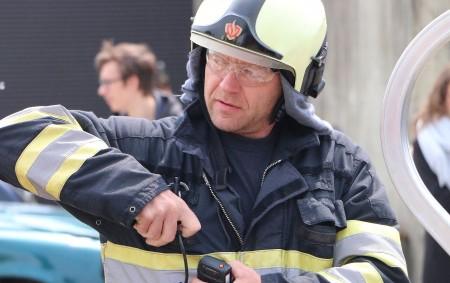 """DOBRUŠKA – Profesionální hasiči z Dobrušky zasahovali dopoledne v dobrušské Komenského ulici, kde se nacházelo uzamknuté osobní auto a v něm dvě děti. Jednotka se vozu dostala rozbitím bočního okénka.<a class=""""moretag"""" href=""""http://www.orlickytydenik.cz/hasici-zachranovali-ze-zamceneho-auta-deti/"""">...celý článek</a>"""