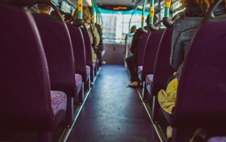 """RYCHNOVSKO – Na pomoc uvízlému autobusu vyjeli do Liberku rychnovští profesionální hasiči vpodvečer vpátek 17. listopadu. Autobus uvízl při otáčení na louce a nemohl sám vyjet. Vtu dobu se vautobuse<a class=""""moretag"""" href=""""http://www.orlickytydenik.cz/autobus-uvizl-na-louce/"""">...celý článek</a>"""