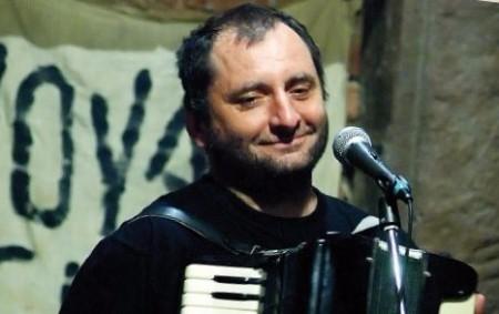 """JEŠTĚTICE –Naplněný sál v Ještěticích pobavil svým vystoupením známý písničkář Václav Koubek. Lidé ho znají jako písničkáře s neodmyslitelnou tahací harmonikou v ruce nebo si ho pamatují z populárního pořadu<a class=""""moretag"""" href=""""http://www.orlickytydenik.cz/splnil-jsem-si-svuj-sen/"""">...celý článek</a>"""
