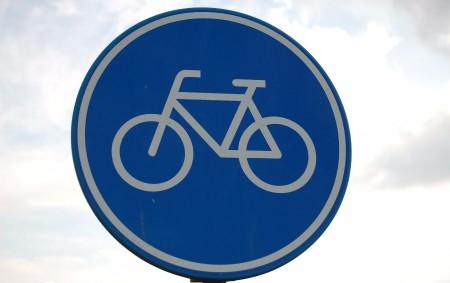 """RYCHNOVSKO – Kdalší dopravní nehodě na cyklostezce vtomto měsíci vyjížděli na Velký pátek ve 14.30hodin policisté zrychnovské Skupiny dopravních nehod. """"Dva chodci – cizinci – šli od Rychnova směrem na<a class=""""moretag"""" href=""""http://www.orlickytydenik.cz/dalsi-nehodu-na-cyklostezce-zpusobil-opilec/"""">...celý článek</a>"""