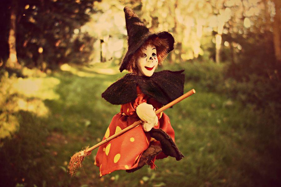 witch-1606525_1920