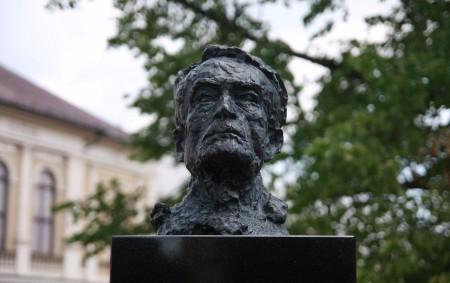 """OPOČNO – Od úmrtí Františka Kupky letos uplynulo šedesát let. Jméno slavného malíře, rodáka z Opočna, který své dětství prožil v sousední Dobrušce, není v našich luzích a hájích stále<a class=""""moretag"""" href=""""http://www.orlickytydenik.cz/v-opocne-odhalili-pamatnik-slavnemu-maliri/"""">...celý článek</a>"""