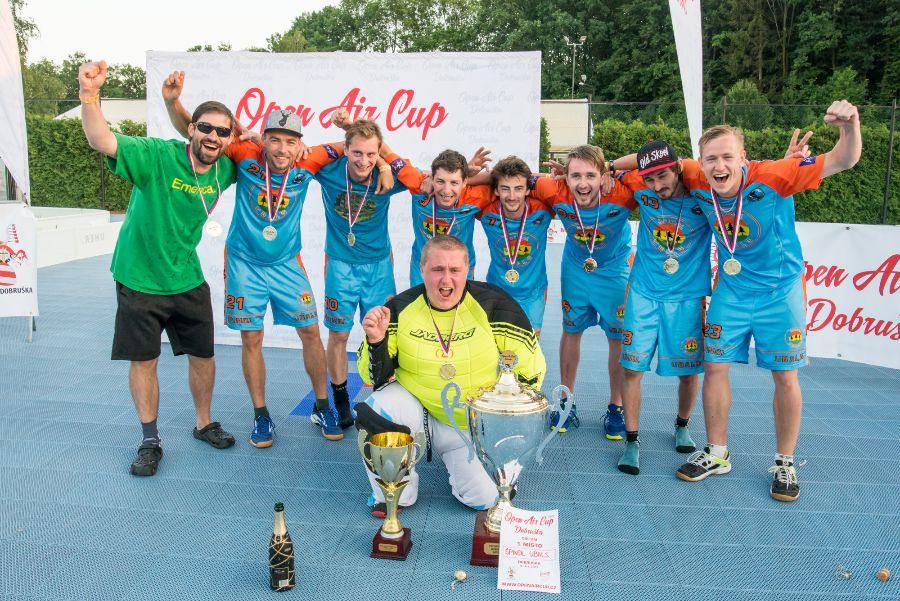 Špindl Ubals - vítězný tým Open Air Cup Dobruška.