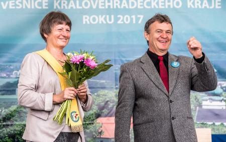 PŘEPYCHY – Do pátku 15. září máte možnost hlasovat pro vesnici Přepychy v celostátní soutěži Vesnice roku 2017.Hlasovat je možné každý den na stránce:http://www.vesniceroku.cz/o-soutezi/isoutez
