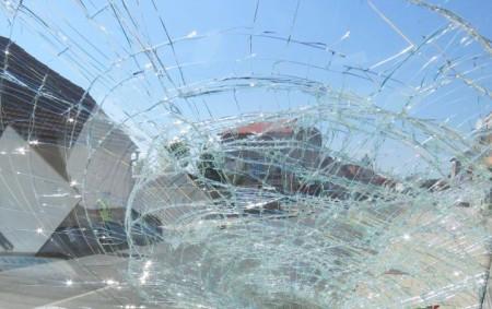 """RYCHNOVSKO – K vážné dopravní nehodě vyjížděli ve středu ve 14.45 hodin policisté z rychnovské skupiny dopravních nehod. Poblíž zdravotnického zařízení v Opočně řidič vozu značky Fiat Ducato srazil chodce.<a class=""""moretag"""" href=""""http://www.orlickytydenik.cz/ridic-dodavky-usnul-a-srazil-chodce-na-chodniku/"""">...celý článek</a>"""