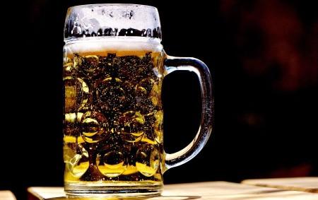 """Potřebuje Rychnov nad Kněžnou další obchodní domy, povídání o novém pivovaru v Olešnici a rozhovor s kandidátkou na ženu regionu přináší nové vydání Orlického týdeníku. Píšeme také o Poutních slavnostech<a class=""""moretag"""" href=""""http://www.orlickytydenik.cz/potrebuje-rychnov-nad-kneznou-dalsi-obchodni-domy-zena-regionu-nebo-gulase-to-je-nove-vydani-orlickeho-tydeniku/"""">...celý článek</a>"""
