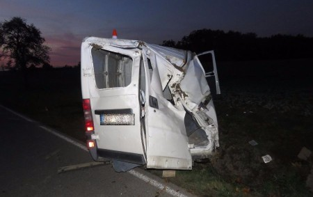 """RYCHNOVSKO – Havárii s úmrtím řidiče vyšetřovali vzávěru týdne rychnovští policisté. Oznámení o události přijal operační důstojník vpátek 13. října v17.03. """"Řidič dodávkového vozu značky Fiat Ducato jel od Kostelce<a class=""""moretag"""" href=""""http://www.orlickytydenik.cz/tragicka-dopravni-nehoda-nepripoutany-ridic-zemrel/"""">...celý článek</a>"""