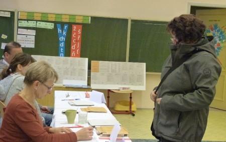 """RYCHNOVSKO – Volby do poslanecké sněmovny jsou za námi. Volební účast vnašem kraji byla 63,25%. Na Rychnovsku se voleb zúčastnilo 63,09 % oprávněných voličů. Ti rozdali své hlasy a výsledek<a class=""""moretag"""" href=""""http://www.orlickytydenik.cz/jak-dopadly-volby-na-rychnovsku/"""">...celý článek</a>"""