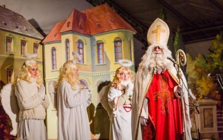 ŘÍČKY V O. H. -Setkání s Mikulášem, andělem a čerty se uskuteční v sobotu 1. prosince v hotelu Říčky v Říčkách v Orlických horách. Začátek je v 15 hodin.