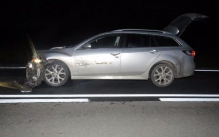"""PARDUBICKO – Kuriózní dopravní nehoda se stala ve čtvrtek ve 21.10 hodin u obce Stojice na Přeloučsku. Řidič osobního vozidla Mazda 6 projížděl po silnici 1/17. Přes silnici právě procházelo<a class=""""moretag"""" href=""""http://www.orlickytydenik.cz/stret-auta-s-devadesatihlavym-stadem-divocaku/"""">...celý článek</a>"""