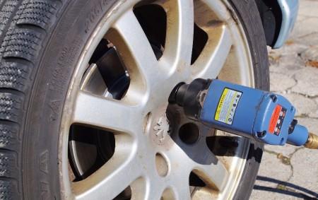 """RYCHNOVSKO – Podle poměrně teplého počasí, které zatím stále panuje, obutí zimních pneumatik ještě není pro řidiče zatím tolik aktuální. Zákon o silničním provozuvšak ukládá povinnost, aby motorové vozidlo, za<a class=""""moretag"""" href=""""http://www.orlickytydenik.cz/je-tu-termin-vymeny-zimnich-pneumatik/"""">...celý článek</a>"""