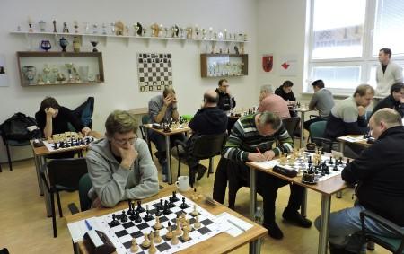 """Grygov, malé městečko u Olomouce, je rodištěm nejznámějšího organizátora olomouckého šachu Jaroslava Fuksíka a tamní tým, který má už několik let hrací místnost na olomoucké universitě už hrál několik let<a class=""""moretag"""" href=""""http://www.orlickytydenik.cz/panda-se-odrazila-ze-dna/"""">...celý článek</a>"""