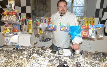 """NOVÉ MĚSTO N. M./OPOČNO –Další ročník tradiční výstavy Vánoce s květinou, tentokrát s podtitulem Na křídlech andělů, připravila letos pořádající škola prosincový víkend na novoměstský zámek. Nechyběly prohlídky vánočně laděných<a class=""""moretag"""" href=""""http://www.orlickytydenik.cz/vanoce-s-kvetinou-navodily-adventni-pohodu/"""">...celý článek</a>"""