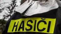 SOLNICE – Tři jednotky hasičů zasahovaly 23. června na silnici č. 14 na úrovni části Ještětice. Stala se zde dopravní nehody čtyř osobních vozidel, po které převezli záchranáři do zdravotnického