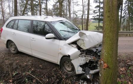 """ORLICKOÚSTECKO – Spuštěný pavouk ze stínítka na volant osobního automobilu stojí patrně za nevěnováním seřízení auta šestadvacetileté řidičky zLetohradska. """"V neděli 7. lednakrátce po poledninarazila žena s fábií, na přímém<a class=""""moretag"""" href=""""http://www.orlickytydenik.cz/pavouk-ridicce-stesti-neprinesl-stoji-za-narazem-do-stromu/"""">...celý článek</a>"""