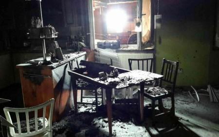 """PARDUBICKO – Vsobotu 6. ledna v22.35 hodin vyjížděly čtyři jednotky hasičů kpožáru novostavby rodinného domu do Brlohu na Pardubicku. Jednalo se o požár v jedné místnosti novostavby. Při příjezdu hasičů<a class=""""moretag"""" href=""""http://www.orlickytydenik.cz/pricinou-vzniku-pozaru-byla-zrejme-nedbalost/"""">...celý článek</a>"""