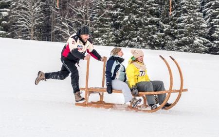 """ORLICKÉ ZÁHOŘÍ – V sobotu 13. ledna se od 13 hodin chystá Mezinárodní soutěž v jízdě na saních rohatých, která se koná v lyžařském areálu Černá Voda v Orlickém Záhoří.<a class=""""moretag"""" href=""""http://www.orlickytydenik.cz/v-orlickem-zahori-chystaji-rohacky/"""">...celý článek</a>"""