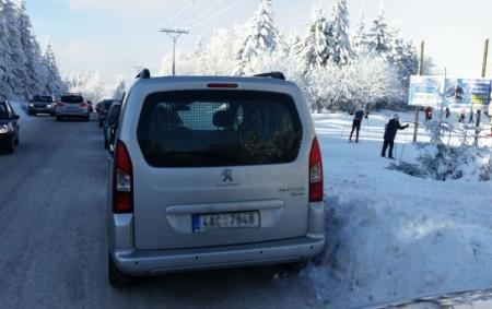 """ORLICKÉ HORY – Tento víkend, 3. -4. února, proběhne v Deštném v Orlických horách 34. ročník Orlického maratonu. Kvůli zhoršeným sněhovým podmínkám pořadatelé start třetího závodu v rámci největšího seriálu<a class=""""moretag"""" href=""""http://www.orlickytydenik.cz/orlicky-maraton-a-komplikace-s-parkovanim-na-serlichu/"""">...celý článek</a>"""