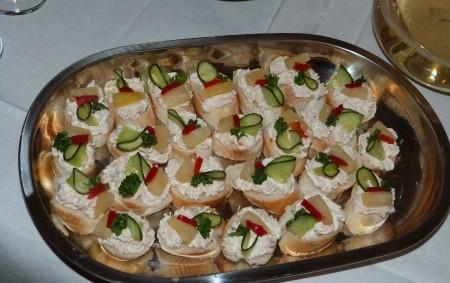 """Pomazánky jsou v kuchyni stále oblíbené, protože pomazánka je poměrně rychle hotová, můžeme ji mazat na pečivo i topinky. Snídaně, svačina, večeře či rychlé pohoštění pro nečekanou návštěvu je tak<a class=""""moretag"""" href=""""http://www.orlickytydenik.cz/podorlicka-kucharka-pomazanky-2/"""">...celý článek</a>"""