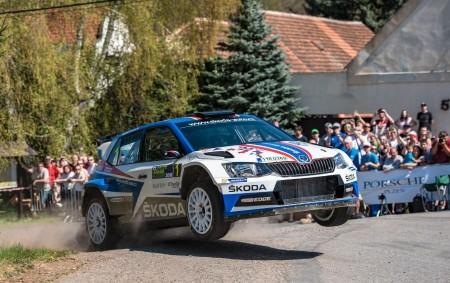 """MLADÁ BOLESLAV - Jan Kopecký s Pavlem Dreslerem byli na Šumavě k neporažení a zaznamenali 18. vítězství v domácím šampionátu v řadě. Po svém vítězství v kategorii WRC 2 na<a class=""""moretag"""" href=""""http://www.orlickytydenik.cz/jan-kopecky-vyhral-po-korsice-rallye-sumava-klatovy/"""">...celý článek</a>"""