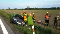 """PARDUBICKO – K tragické nehodě do Čankovic vyjížděli ve středu 23. května v18.36 hodin profesionální hasiči ze stanice Chrudim a dobrovolní hasiči zHrochova Týnce. Nehoda nákladního automobilu s osobním vozem<a class=""""moretag"""" href=""""http://www.orlickytydenik.cz/ridicka-neprezila-stret-s-kamionem/"""">...celý článek</a>"""