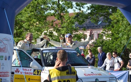 """RYCHNOVSKO - Hanácký Rally Klub uspořádal 5. května Rally Vyškov. Na jihomoravských rychlostních vložkách bojovali jezdci o další body do Rallysprint Série 2018. Do jednodenní soutěže odstartovalo celkem 89 závodníků,<a class=""""moretag"""" href=""""http://www.orlickytydenik.cz/hovorkovi-vyhrali-ve-vyskove-tridu-14/"""">...celý článek</a>"""