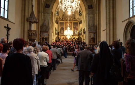 """RYCHNOVSKO – Také letos budou moci návštěvníci ve stovkách otevřených chrámů po celé republice poznávat a obdivovat duchovní a umělecké skvosty křesťanství. Chrámy lákají na večerní atmosféru a zajímavé programy.<a class=""""moretag"""" href=""""http://www.orlickytydenik.cz/86105/"""">...celý článek</a>"""