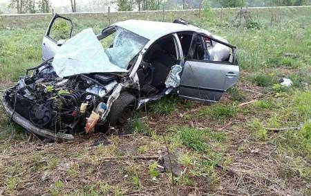 """ORLICKOÚSTECKO – V pátek 4. května v 5.52 hodin zasahovali hasiči z Vysokého Mýta na silnici z Mýta směrem na Choceň, kde havaroval řidič se svým vozem. """"""""Řidič s autem<a class=""""moretag"""" href=""""http://www.orlickytydenik.cz/ridic-s-autem-prekonal-radu-parezu-skoncil-na-pasece/"""">...celý článek</a>"""
