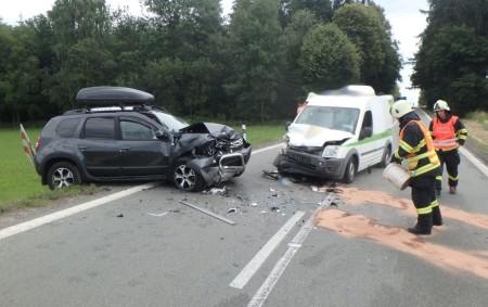 """RYBNÁ N. ZD. – Profesionální hasiči z Rychnova nad Kněžnou a ze Žamberka zasahovali ve středu 20. června u dopravní nehody dvou osobních vozidelmezi Rybnou nad Zdobnicí a Helvíkovicemi.Při nehodě<a class=""""moretag"""" href=""""http://www.orlickytydenik.cz/k-nehode-se-zranenim-vyletel-vrtulnik/"""">...celý článek</a>"""