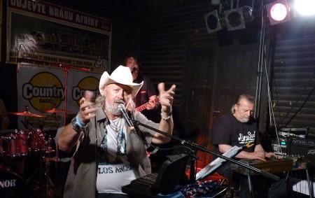 """POTŠTEJN — Jste milovníci country muziky a chcete zažít atmosféru jako u táboráku? Pak si v kempu western Vochtánka přijdete na své. Právě tam totiž v sobotu 21. července ve<a class=""""moretag"""" href=""""http://www.orlickytydenik.cz/tomas-linka-festival-se-nam-zaryl-do-srdce/"""">...celý článek</a>"""