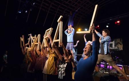 """NERATOV – Tři dny, dvě noci, padesát účinkujících, divadlo, tanec, koncerty, tematické diskuze, konference a workshopy – to je Menteatrál 2018. Festival divadel pracujících s mentálně postiženými hostí od 27.<a class=""""moretag"""" href=""""http://www.orlickytydenik.cz/menteatral-to-je-spojeni-dvou-ruznych-svetu/"""">...celý článek</a>"""