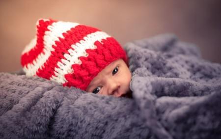 """ČR – V posledních deseti letech se porodní hmotnost novorozence pohybovala okolo 3,3 kilogramu. Podíl vícečetných porodů klesal. Novorozenci z vícečetných porodů měli nižší porodní hmotnost a těhotenství trvalo kratší<a class=""""moretag"""" href=""""http://www.orlickytydenik.cz/prumerny-novorozenec-vazi-33-kilogramu/"""">...celý článek</a>"""