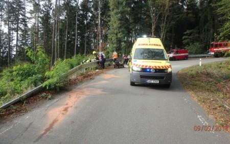 """OSTAŠOVICE – Profesionální hasiči z Rychnova nad Kněžnou a dobrovolní hasiči z Týniště nad Orlicí byli v neděli 9. září odpoledne přivoláni k motocyklistovi, který dostal smyk v zatáčce na<a class=""""moretag"""" href=""""http://www.orlickytydenik.cz/motorkar-dostal-smyk/"""">...celý článek</a>"""