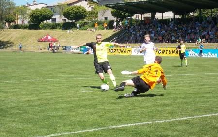 """FOTBAL Krajský přebor SO 3. 11. 10.15 FC Slavia HK – FK Kostelec n. O. NE 4. 11. 14.00 FC Spartak Rychnov – RMSK Cidlina, TJ Červený Kostelec – SK<a class=""""moretag"""" href=""""http://www.orlickytydenik.cz/sportovni-pozvanky-na-31-10-4-11/"""">...celý článek</a>"""