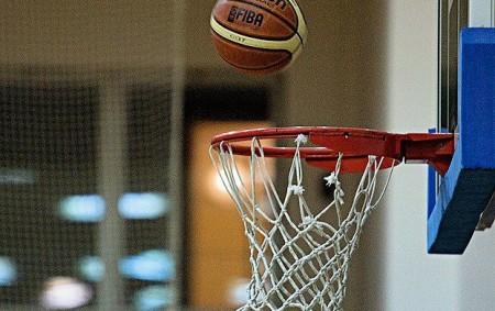 """RYCHNOVSKO - Vplném proudu jsou také krajské basketbalové soutěže. Basketbalisté Rychnova hrající nejvyšší krajskou soutěž mají za sebou čtyři zápasy a SK Týniště n. O. vkrajském přeboru zatím pouze dva.<a class=""""moretag"""" href=""""http://www.orlickytydenik.cz/vysledky-nasich-tymu-ve-vlm-a-vpm/"""">...celý článek</a>"""