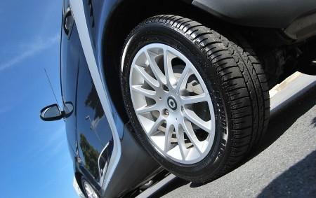"""REGION – Chladný víkend nám připomenul, že přestože dosud panovalo teplého počasí, čas obutí zimních pneumatik se blíží. Zákon o silničním provozu však ukládá povinnost, aby motorové vozidlo, za přesně<a class=""""moretag"""" href=""""http://www.orlickytydenik.cz/nastal-cas-vymeny-zimnich-pneumatik/"""">...celý článek</a>"""