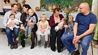 """MOKRÉ – Již druhé letošní vítání občánků se v Mokrém konalo 24. listopadu. Venku bylo sice hodně deštivé listopadové odpoledne, ale v příjemně vytopeném společenském klubu se sešly rodiny nových<a class=""""moretag"""" href=""""http://www.orlickytydenik.cz/v-mokrem-letosni-rok-vitali-obcanky-necekane-podruhe/"""">...celý článek</a>"""