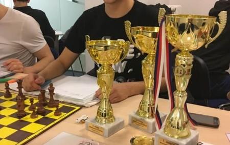 """RYCHNOV N. K. - Rychnovák, odchovanec a současný trenér mládeže Pandy Martin Buločkin se po zisku titulu mistra ČR do 16 let kvalifikoval na šachové mistrovství světa mládeže v Řecku<a class=""""moretag"""" href=""""http://www.orlickytydenik.cz/martina-bulockina-se-vratil-z-mistrovstvi-sveta-v-recku/"""">...celý článek</a>"""