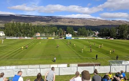 """Fenomén jménem Island. Země, která je známá především pro svou fascinující přírodu. V posledních letech ale začíná vstupovat ve známost i fotbalovým fanouškům po celém světě. Alespoň díky reprezentačnímu týmu,<a class=""""moretag"""" href=""""http://www.orlickytydenik.cz/island-ma-hodne-dobrych-hracu/"""">...celý článek</a>"""