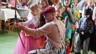 DOBRUŠKA – Třetí únorový víkend byl v Dobrušce ve znamení karnevalů. Sokolovna i kulturní dům byl plný princezen, rytířů, pirátů, vodníků, čertů, indiánů, čarodějnic, draků i různých zvířátek. V sobotu